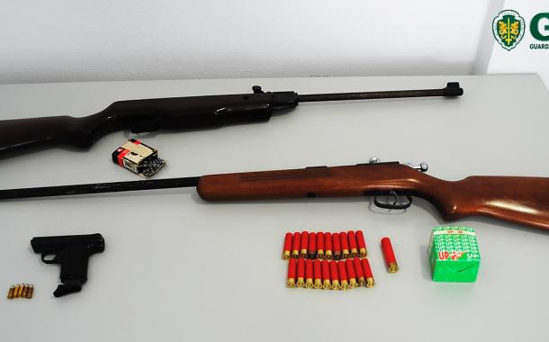 Cabeceiras de Basto: GNR apreende armas de fogo e várias munições