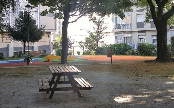 Obras no parque infantil da Rua de Diu já estão em andamento