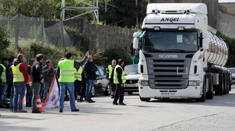 Motoristas: Greve das matérias perigosas mantém-se