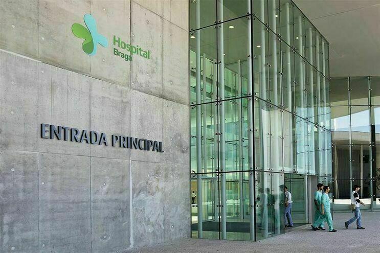 """Transição do Hospital de Braga para a esfera pública decorrerá com """"normalidade e tranquilidade"""", diz ministra da Saúde"""