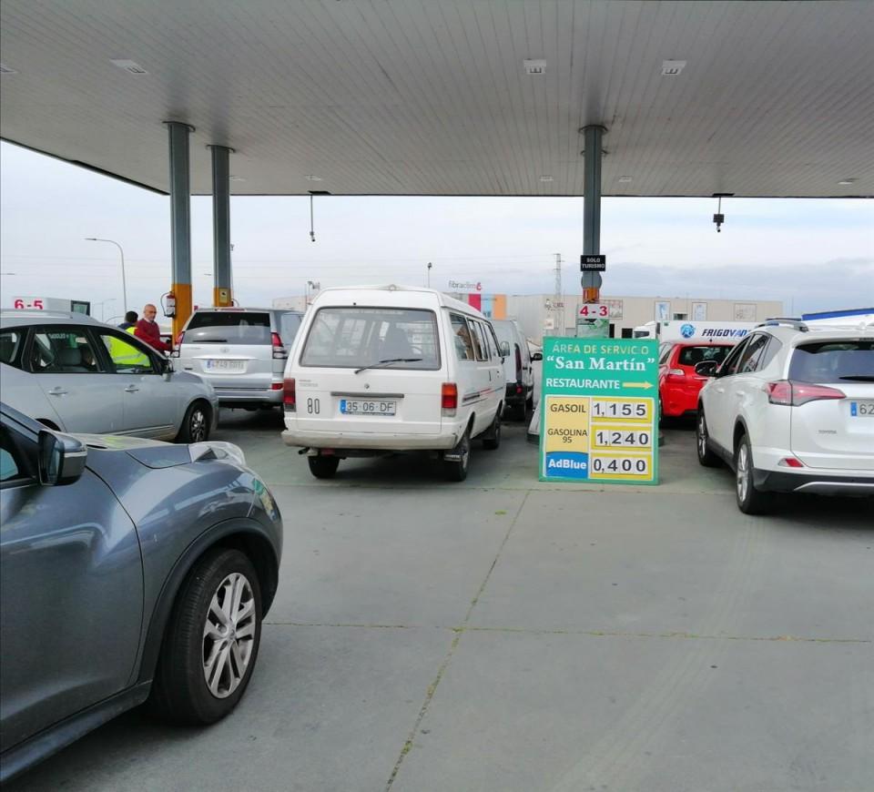 Greve dos motoristas já provoca filas para abastecer em Espanha