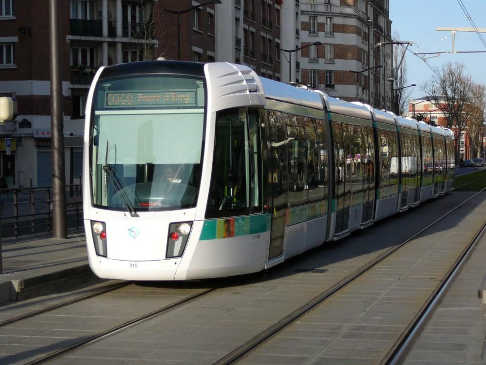 Linha de eléctrico pode ser solução de mobilidade no Quadrilátero Urbano