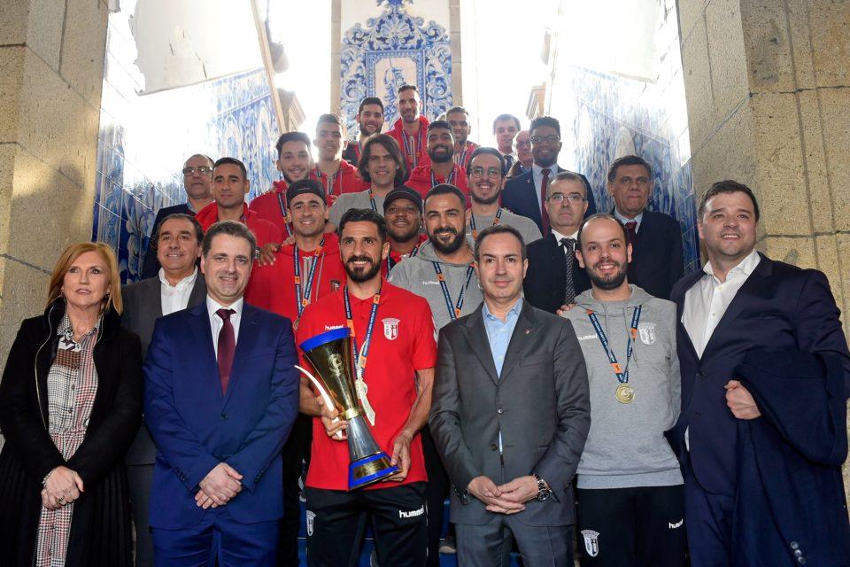 Fotos. Braga homenageou bicampeões do Mundo de Futebol de Praia