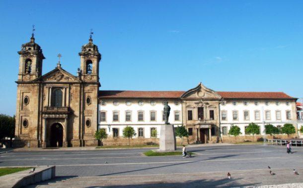 Serviços municipais de Braga fechados esta terça-feira