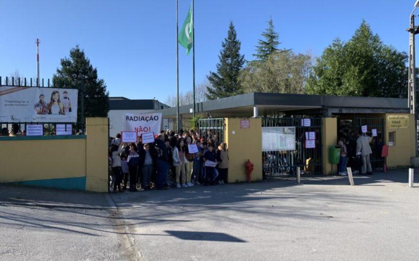 Antena. DGS aceita reunião com associação de pais da Escola D. Maria II de Famalicão