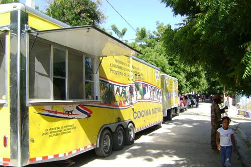 Proceso.com.do :: Comedores Económicos se trasladan a Barahona para ...