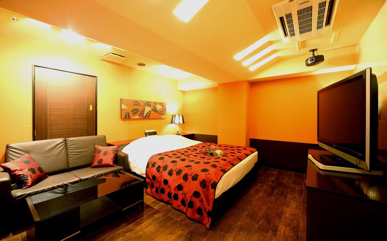 HOTEL V.I.A