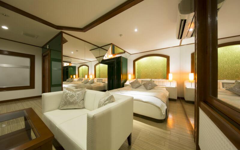 HOTEL Miroir