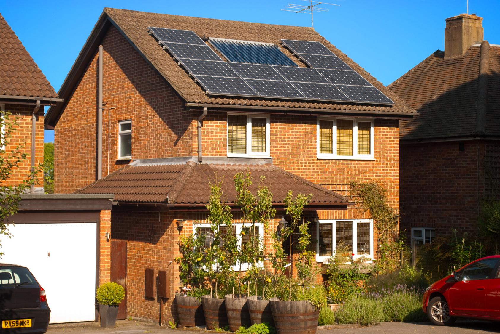 Les panneaux photovoltaïques sur une maison