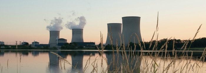 Abandon des objectifs de réduction à 50% de la part du nucléaire d'ici 2025