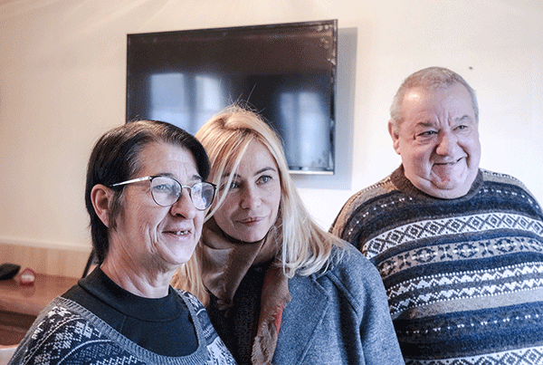 Emmanuelle Béart rencontre les familles en situation de précarité énergétique