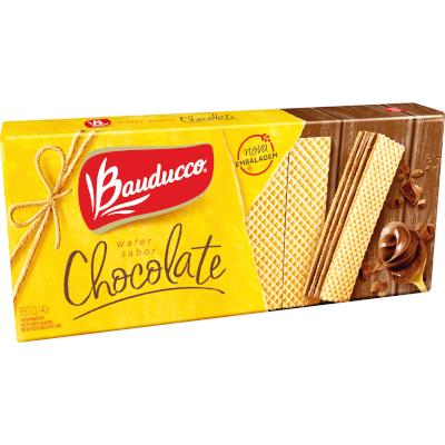 Biscoito wafer sabor chocolate 140g Bauducco pacote PCT