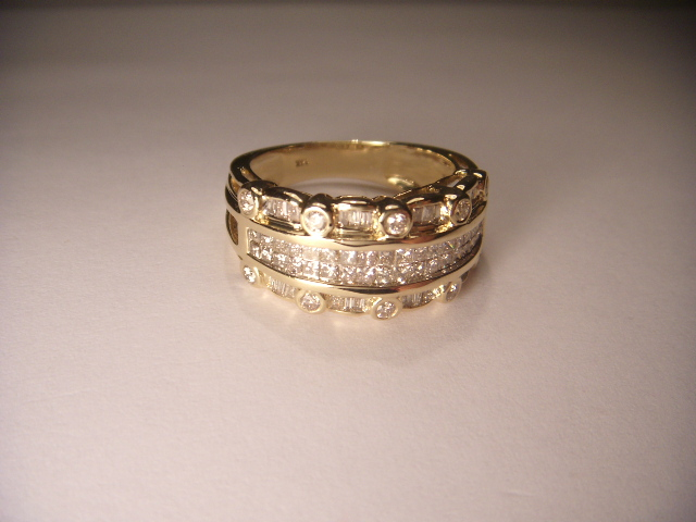 Unique Estate 14K Yellow Gold Princess Baguette Diamond Wide