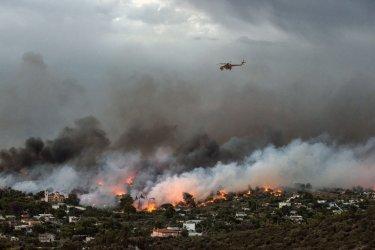 Não há registo de portugueses entre vítimas dos incêndios na Grécia