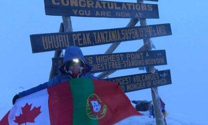 Luso-canadiana sobe o terceiro dos sete cumes do mundo em missão solidária