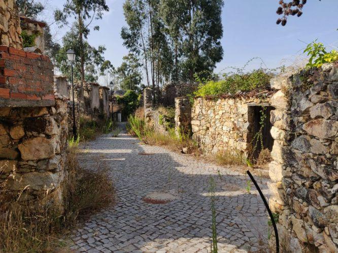 Sigoeira de Cima: uma aldeia duplamente abandonada