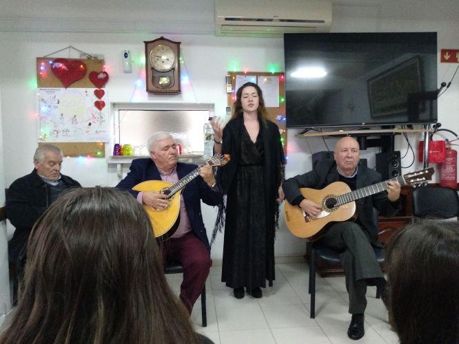Fados na Festa de Natal do lar Amélia de Sousa