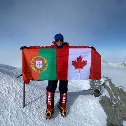 Luso-canadiana sobe ao cume mais alto da Antártida