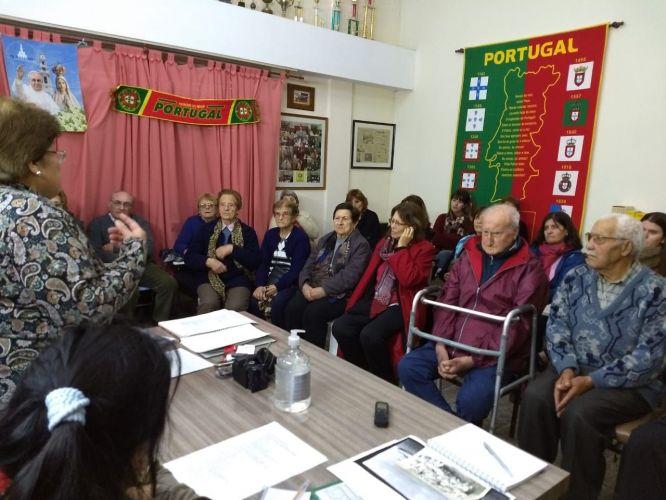 Encontro com os avós portugueses e uma aula da dança no Dia de Portugal