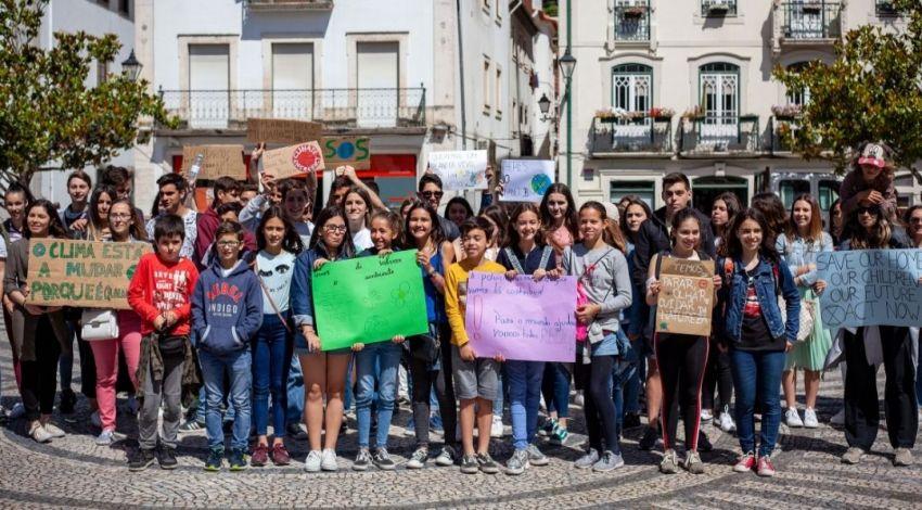 Manifestação atrai escolas de Leiria