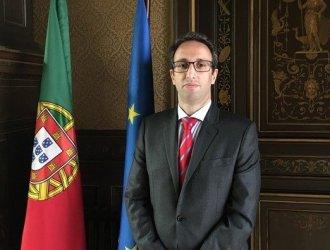 João Melo Alvim a caminho da Embaixada de Belgrado