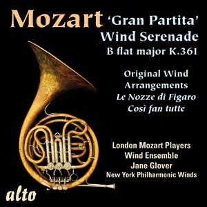 Album Mozart: 'Gran Partita' Wind Serenade; Opera Wind Arrangements