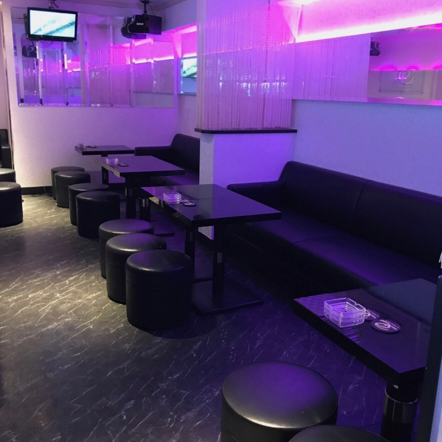 Luxury Bar Quar2