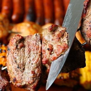 和牛肉寿司&シュラスコ食べ放題 個室肉バル ウォルトンズ新宿店