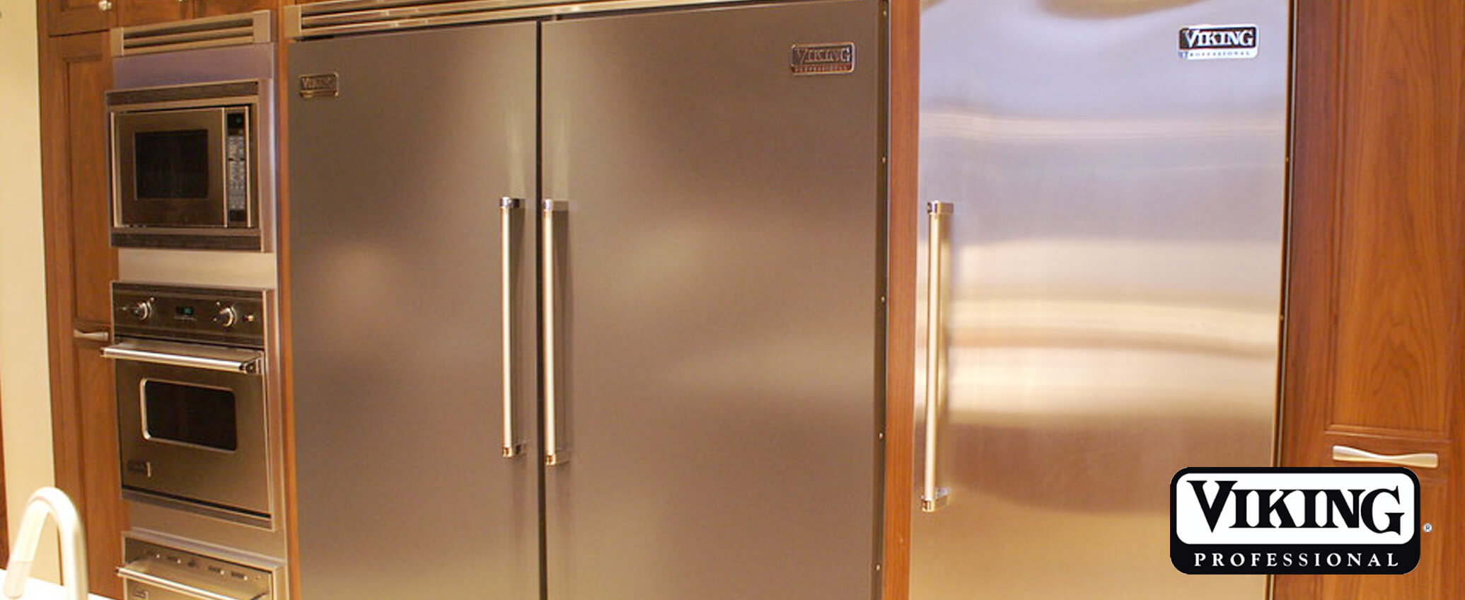 Reasons for Viking fridge leaking water tray is overflowing and how to fix   Professional Viking Repair