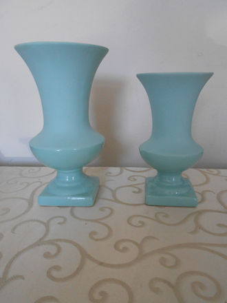 main photo of Tiffany blue ceramic vase
