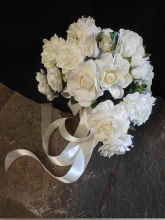 main photo of Garedenia bridal bouquet