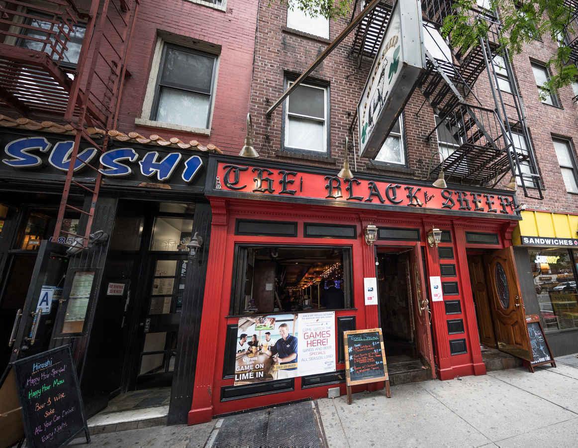 Bars and restaurants in Murray Hill neighborhood of Manhattan, New York