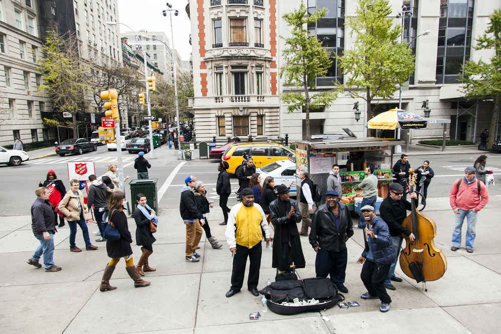 Street Musicians performing on Fifth Ave on the Upper East Side of Manhattan