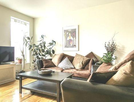 234 Sackett, Apt #4L, Brooklyn, New York 11231