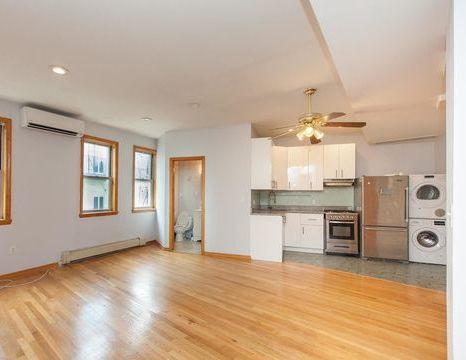 267 Powers Street, Apt 2-B, Brooklyn, New York 11211