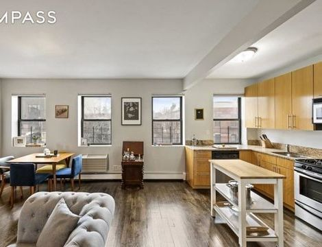 82 Green Street, Apt 4, Brooklyn, New York 11222