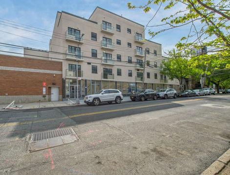 62-41 Forest Avenue, Apt 4-C, Queens, New York 11385