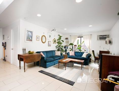 205 Huron Street, Apt 4-R, Brooklyn, New York 11222