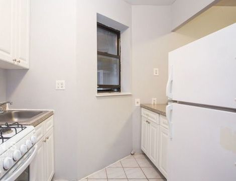 308 West 49th Street, Apt 8, Manhattan, New York 10019