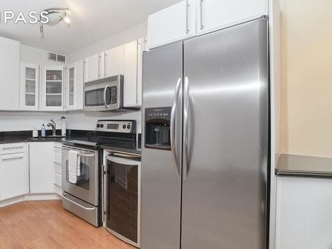 120 Nassau Street, Apt 3, Brooklyn, New York 10038