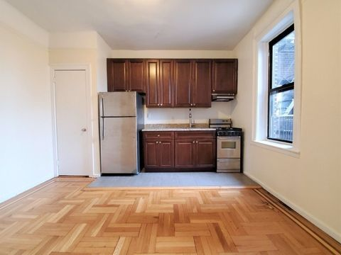 32-42 33rd Street, Apt C3, Queens, New York 11106