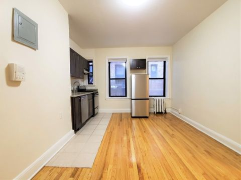 43-28 39th Place, Apt 12, Queens, New York 11104