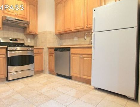327 East 89th Street, Apt 4-E, Manhattan, New York 10128