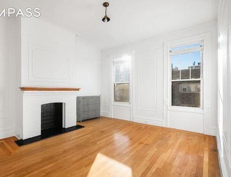 197 Calyer Street, Apt 3, Brooklyn, New York 11222