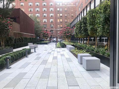 107 Columbia Heights, Apt 8F, Brooklyn, New York 11201