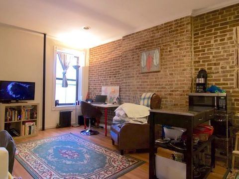 69 Pineapple Street, Apt C1, Brooklyn, New York 11201