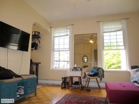 209 Green Street, Apt 2R, Brooklyn, New York 11222