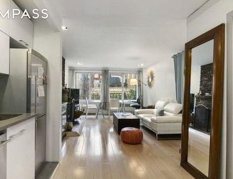 10 Charles Street, Apt 2-B, Manhattan, New York 10014