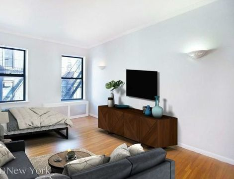 225 East 82nd Street, Apt 3B, Manhattan, New York 10028