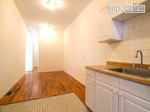 903 Metropolitan Avenue, Apt 3-L, Brooklyn, New York 11211